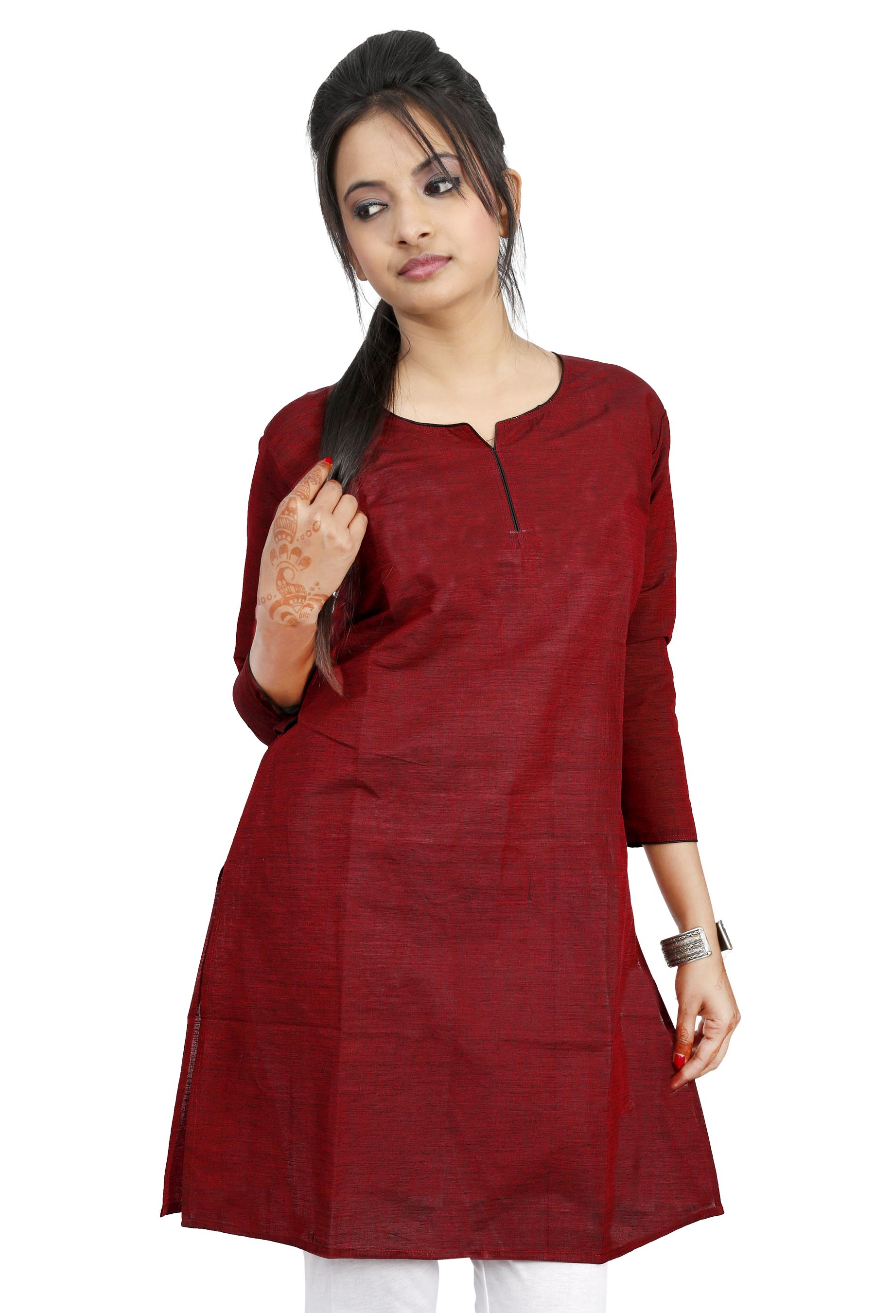 Shop Online for Tops and Tunics at Snapdeal. Keeping in mind the demands of the fashionable women, brands have designed a variety of tops keeping different trends in mind. You can choose from an interesting array of smart tops for women and beautiful tunics to add style to your wardrobe.