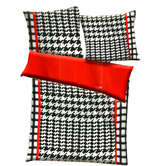 Craftsvilla Black, White And Red Polyester Checkered Print Double Bed Ac Quilt