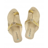 Ekolhapuri Attractive Golden Ladies Chappal