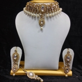 Close Neck Style Kundan Jewelry In White With Pearls