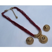 Maroon Thread Manglasutra Necklace Set