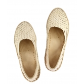 Ekolhapuri Natural Color Attractive Handmade Kolhapuri Ladies Shoe
