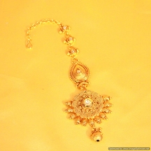 Pear Shaped Gold Look Kundan Maang Tikka