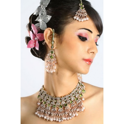 Indian Bollywood White Pearl Patwa Jewellery Necklace Set