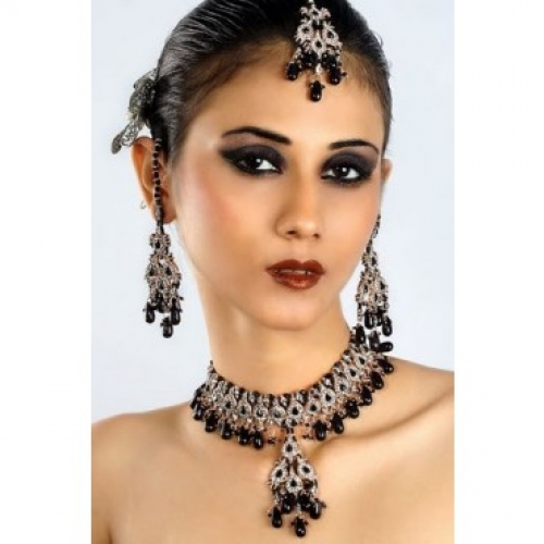 Traditional Exclusive Indian Fashion Black Patwa Jewellery Necklace Set