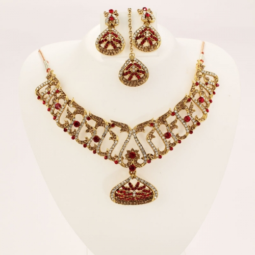 Indian Ethnic Necklace Set, Earrings & Mangtikka With Colored Diamantes & Stones