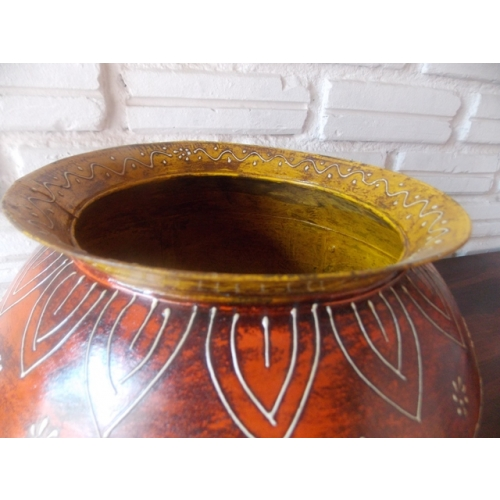 Induscraft Iron And Hand Painted Multicolor Pot