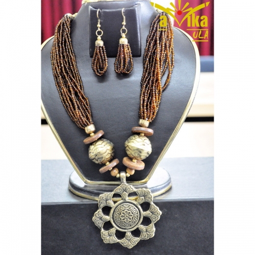 Earth Tune Necklace Set