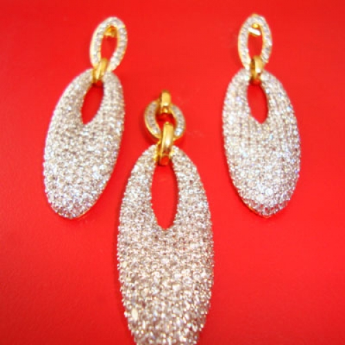 American Diamond Studded Fancy Earring And Pendent Set