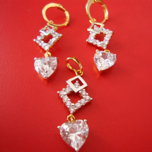 Gold Plated Fancy Earring And Pendent Set