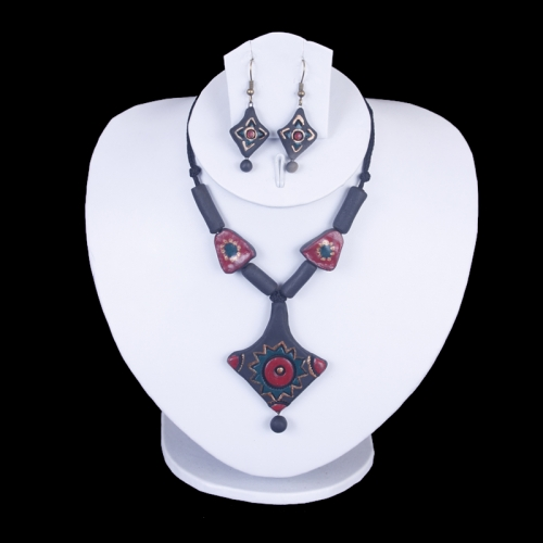 Red, Green & Black Terracotta Necklace Set