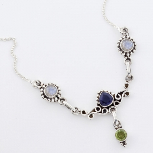 Silver Necklace With Finely Cut Gemstones