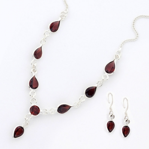 Pure Silver Necklace With Faceted Garnet And Pair Of Earrings
