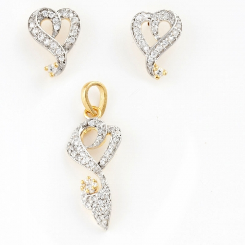 Handcrafted Pendant Set Studded With American Diamonds