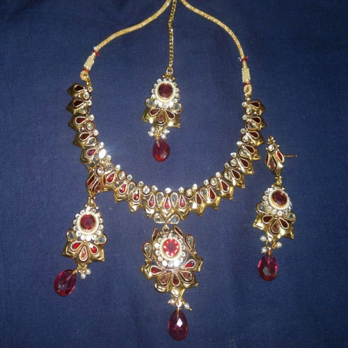 Antique Necklace Set - Be-jewelled