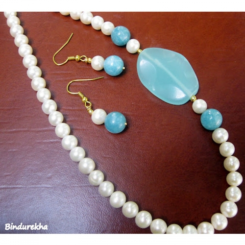 Pearls Onyx Chalcydony Necklace Set