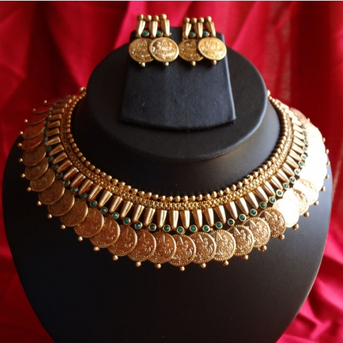 Aaradhya (emerald) Necklace