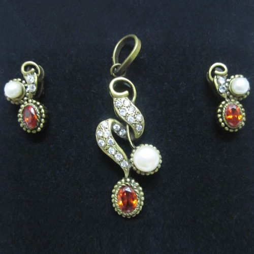 Orange White Pendent Set - Elegant Elements