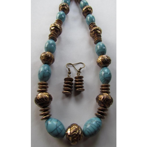 Chunky Turquoise In Necklace Set