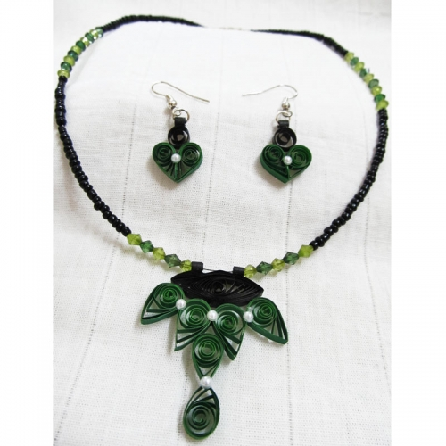 Green Quilled Necklace - Novel Ideas