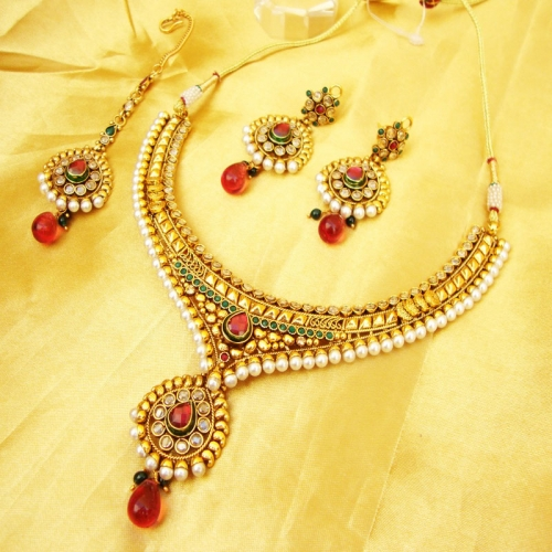 Antique Polki Necklace & Earrings