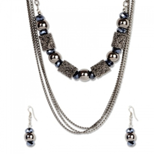 White Balls Clubbed With Metal Net Necklace