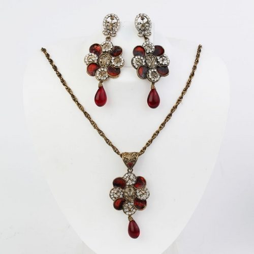 Red & White Beads Necklace Set