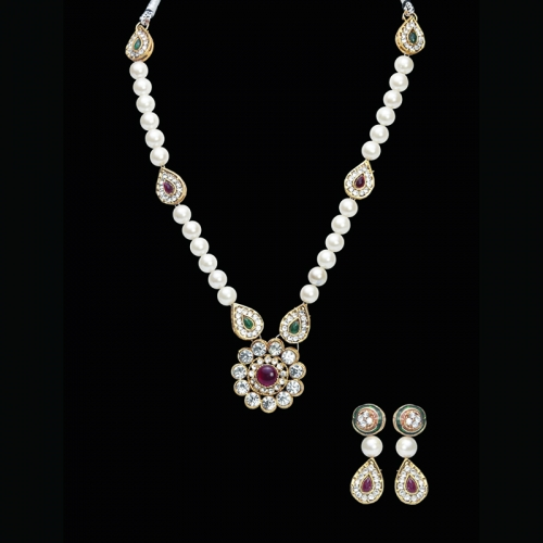 White Pearls With Red And White Stones Brass Necklace Set