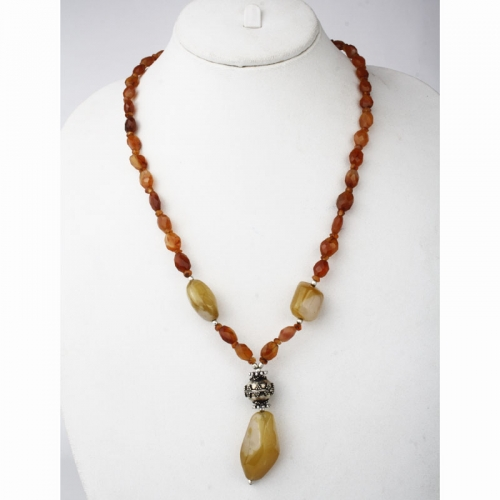 Cornalian And Yellow Agate Necklace