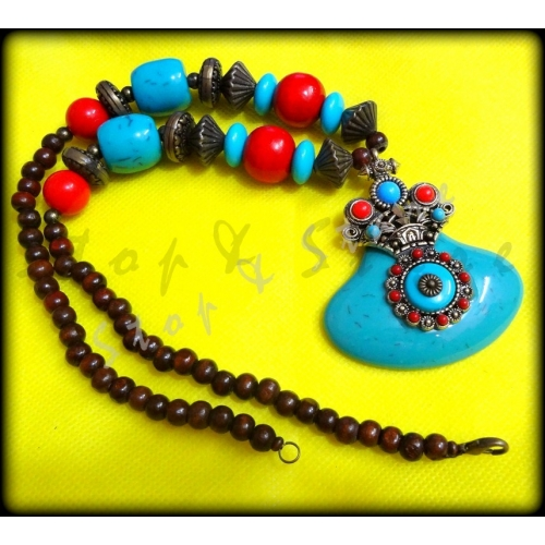 Multicolor Resin Beaded Necklace