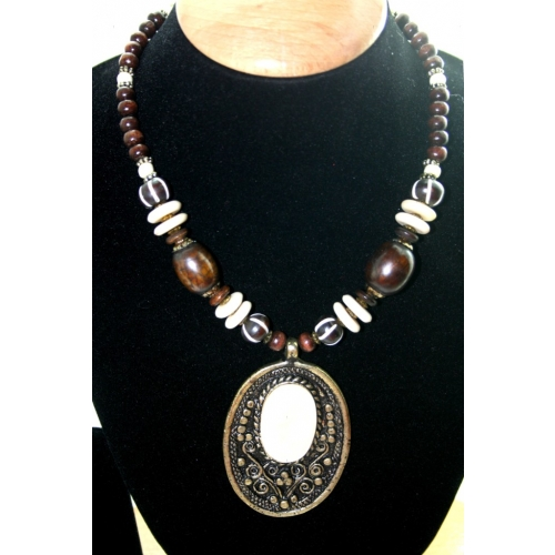 Bold And Funky Neck Piece For Indian And Western Outfit.