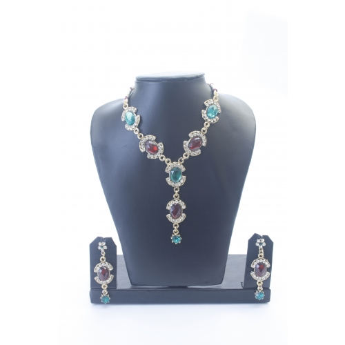 Green-maroon Necklace With Stones