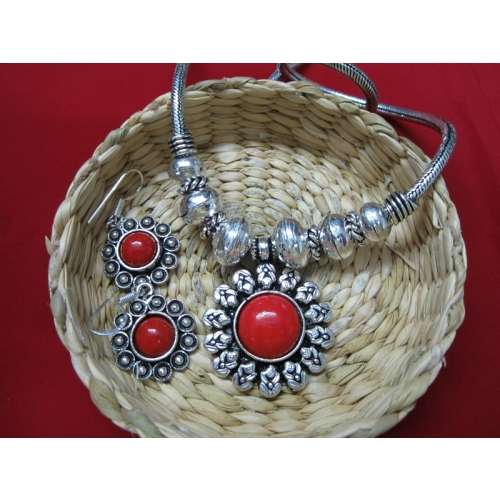 Red Centered Metal Necklace