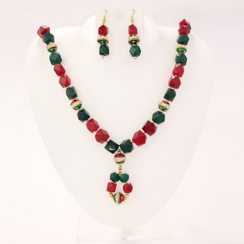 Red And Green Jade Necklace Set