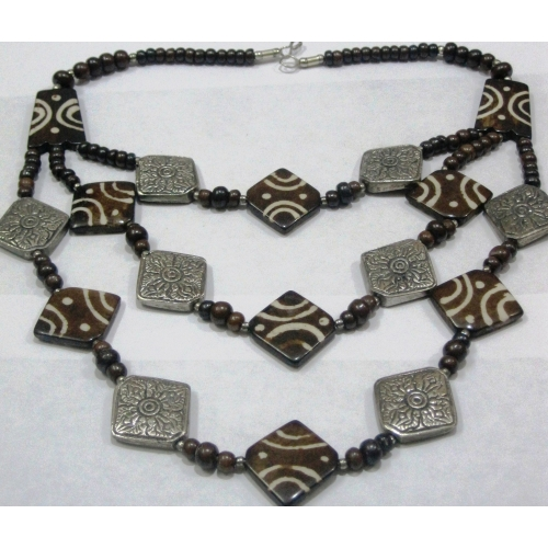 Wooden Three Strands Necklace