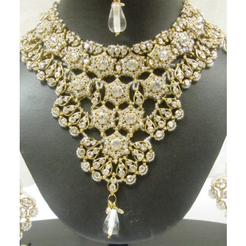 Delicate Elegant Patwa Style Bridal Four Pcs. Jewelry Set - Indian Bridal Wear Collection