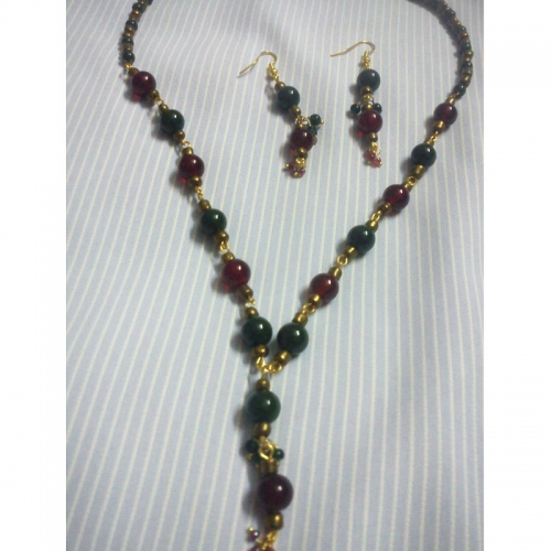 Green & Red Necklace - Cute Pearls