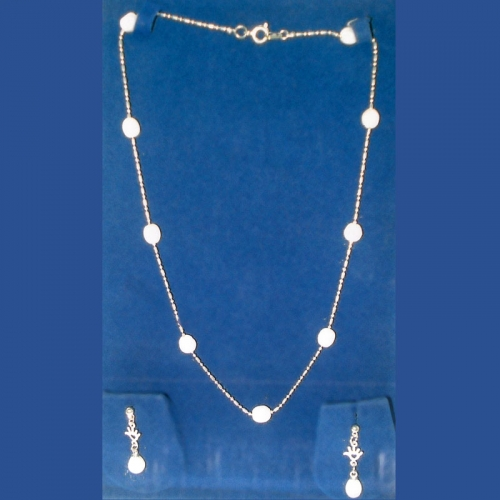 9 Pearl Necklace